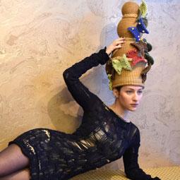"""1448 - במותג היוקרה """"אליסקה"""", ממציאים את אמנות הסריגה מחדש."""