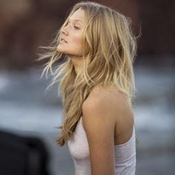 """1640 - מותג השיער קרסטס משיק את """"אורה בוטניקה"""" סדרת שיער המופקת מהטבע."""