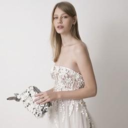 """2275 - מעצבי אופנה מובילים משתפים פעולה עם מותג התיקים """"קיפלינג""""."""