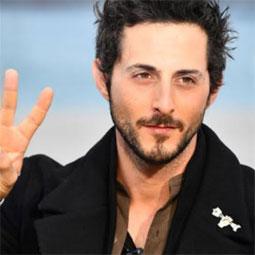 2431 - הישראלי האולטמטיבי והשחקן תומר קאפון הוא הפרזנטור החדש של רשת FOX.