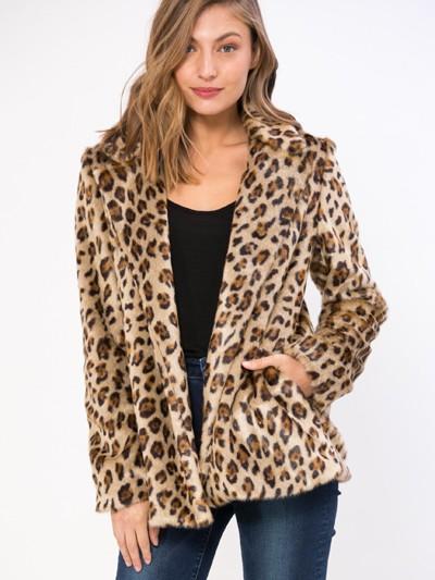 """3691 - בחירת השנה: אילנית לוי נבחרה כפרזנטורית של בית האופנה,""""גולברי - GOLBARY""""."""