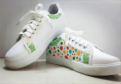 3817 - MyShoe – עיצוב אישי וייחודי על גבי נעליים.