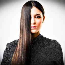 """3825 - חברת""""יוקו סיסטם ישראל"""" ממליצה להורים ולמעצבי שיער:""""הימנעו מהחלקת שיער מתחת לגיל 13""""."""