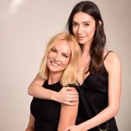 """3833 - שירה גוטמן ואמה גלית גוטמן, הצטלמו  יחד לקמפיין החדש לרשת מרכזי """"רונית רפאל מדע-היופי""""."""
