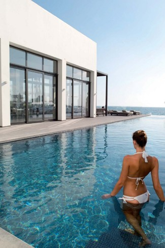 3993 - קבוצת המלונות ת'אנוס, בקפריסין מחכה לנופשים הישראלים.