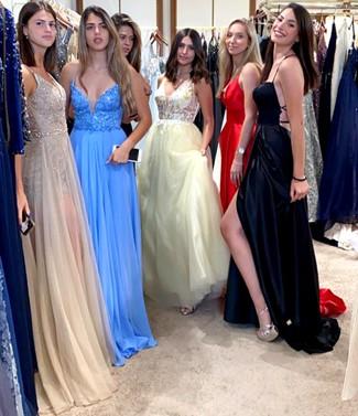 4011 - קומפלקס האופנה ''T&E'', משיק את שמלות הפרום 2020.