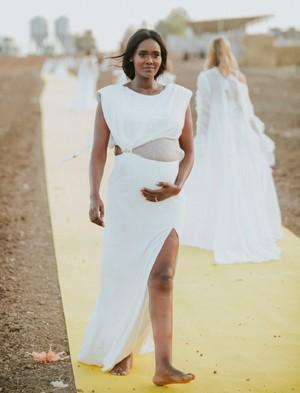 4018 - ומי הגיע לתצוגת האופנה של המעצבת אוריה עזרן?