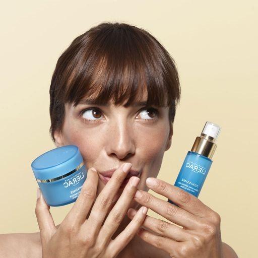 פריז הסדרה הכחולה לשיקום העור צילום אסף לוי - מוצרי טיפוח חדשים, להרגעת וטיפוח העור, לקייץ 2021.