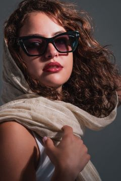 """משותף לאירוקה ובוגרי בית הספר לצילום רון קדמי צילום ארנסט פינקשטיין 1 1 - אירוקה תומכת באמנים צעירים בשיתוף הפעולה,""""עדשות מצלמות משקפיים""""."""