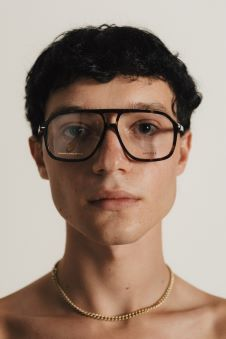 """משותף לאירוקה ובוגרי בית הספר לצילום רון קדמי צילום מושיקו טישלר 11 - אירוקה תומכת באמנים צעירים בשיתוף הפעולה,""""עדשות מצלמות משקפיים""""."""
