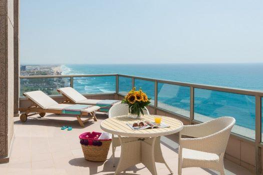 """1 - מלון """"ליאונרדו פלאזה"""" חיפה - המקום המושלם ל'שבת-חתן'."""