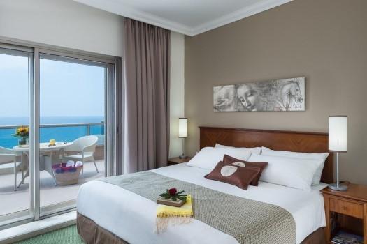 """דה לוקס מרווחת - מלון """"ליאונרדו פלאזה"""" חיפה - המקום המושלם ל'שבת-חתן'."""